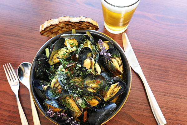 Beer Steamed Black Mussels at The Shores