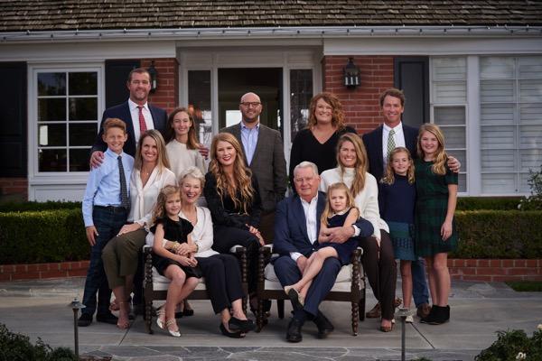 Linda Daniels Entire Family Photo 2020_atm_40