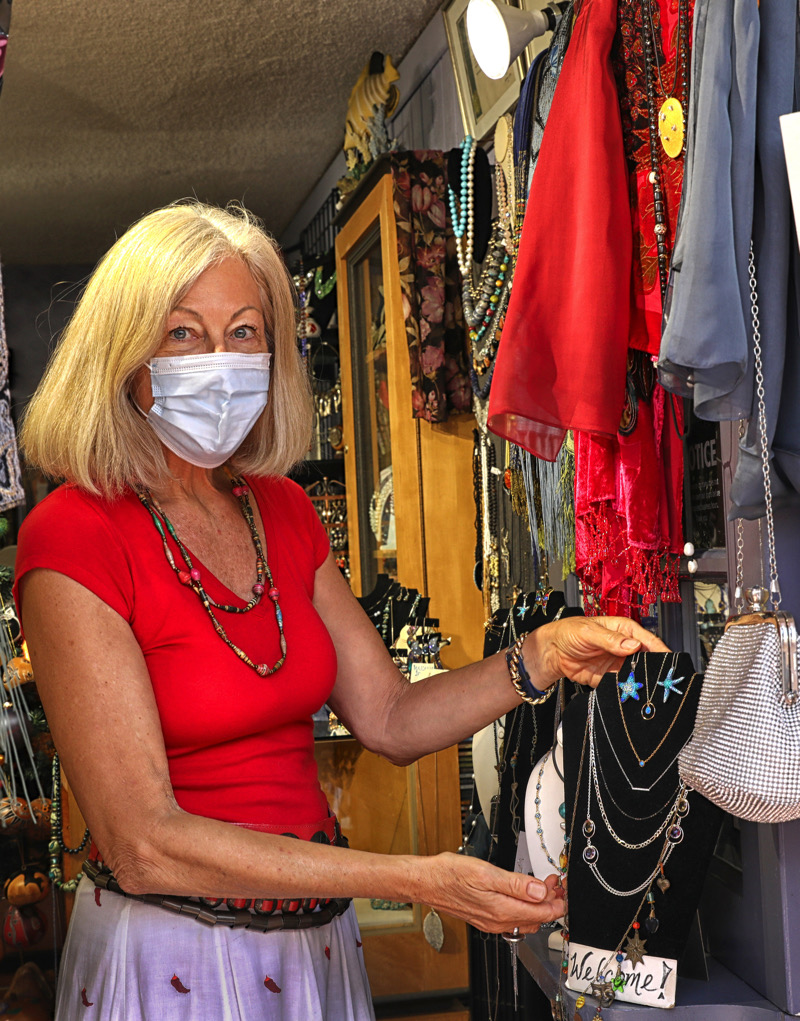 Linda Jalving at Jewels By the Sea