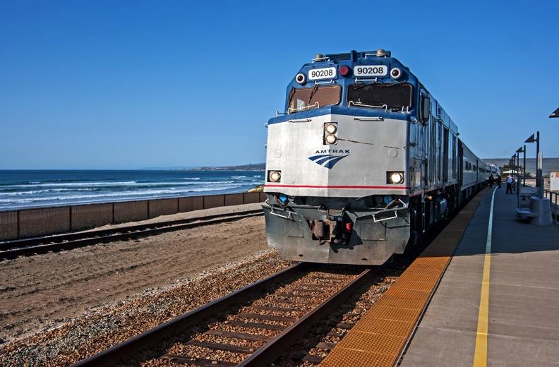 Amtrak Pacific Surfliner  |  MARK WEBER MARK WEBER