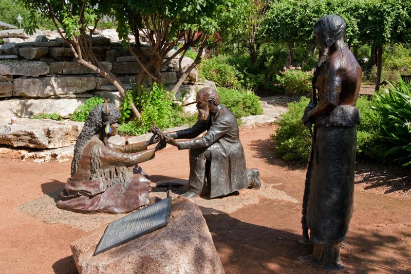 Statue of the Peace Treaty at Marktplatz | Steve Rawls